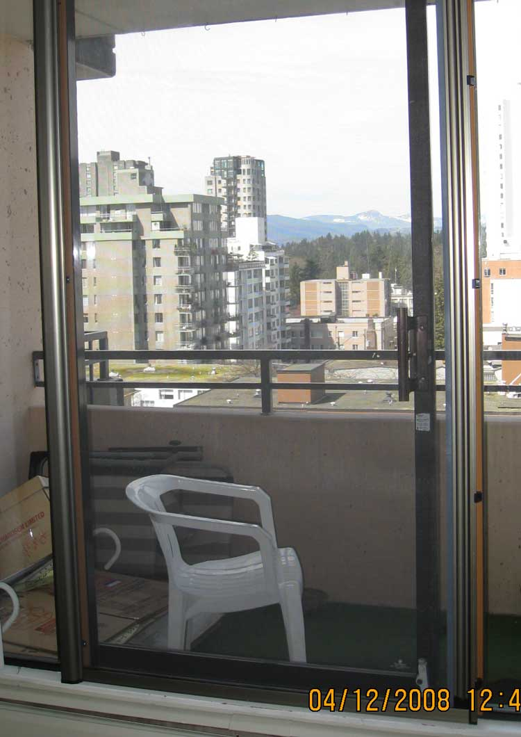 Omnifine retractable screen door and window vancouver for Sliding glass doors vancouver